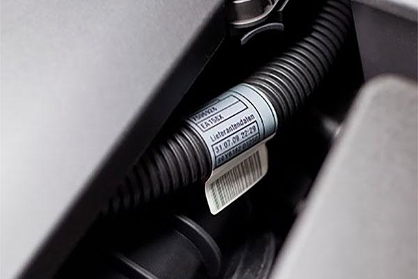 étiquette automobile flexible