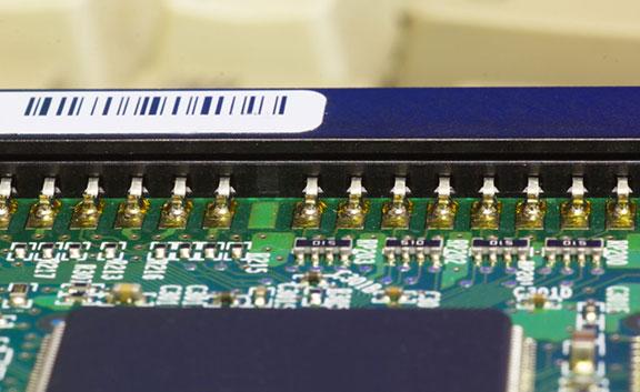 étiquette électronique connecteur
