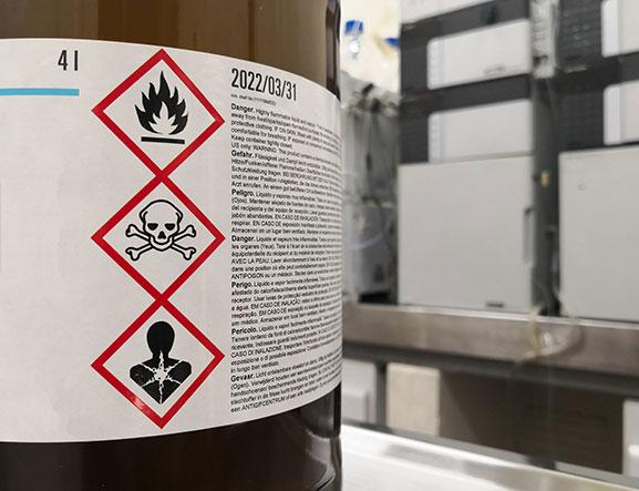 étiquette flacon produits chimiques